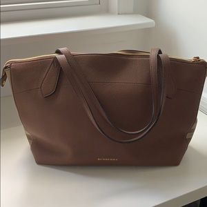 Burberry Welburn House check medium leather tote